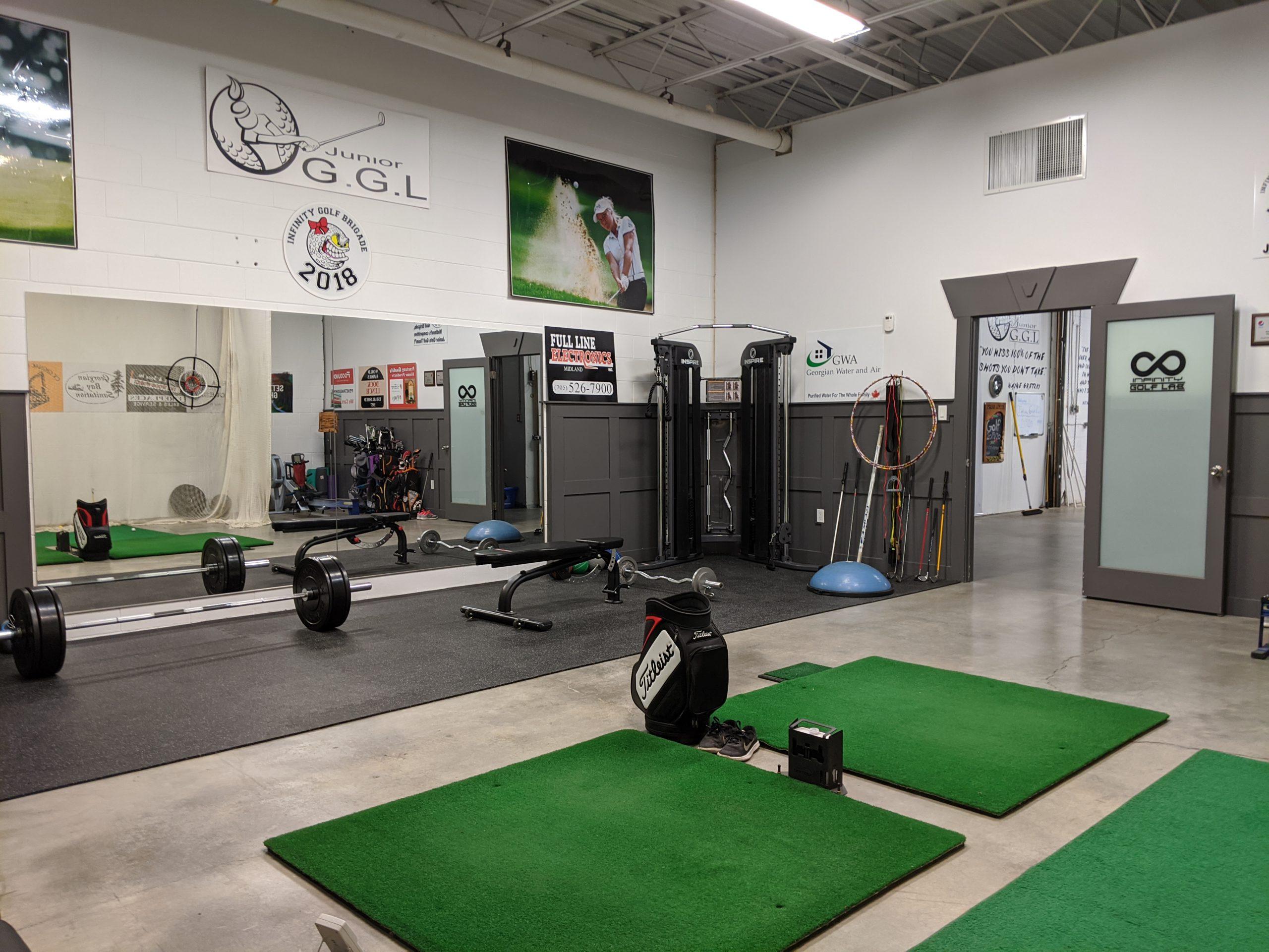 Indoor golf area – Pat Quilty